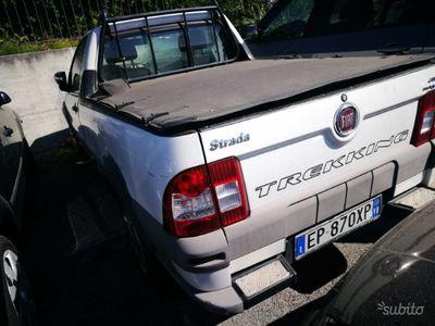 begagnad Fiat Strada 1.3mj trekking