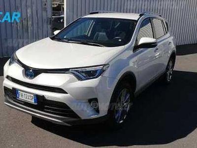 usado Toyota RAV4 Hybrid 4WD Lounge del 2017 usata a Catania