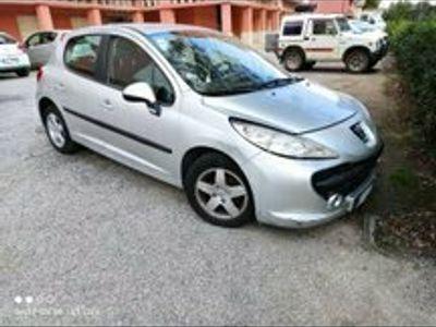 usata Peugeot 207 1.4 benzina prezzo trattabile