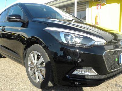 usata Hyundai i20 1.1 DIESEL/ 75CV 30MILA KM - 2015