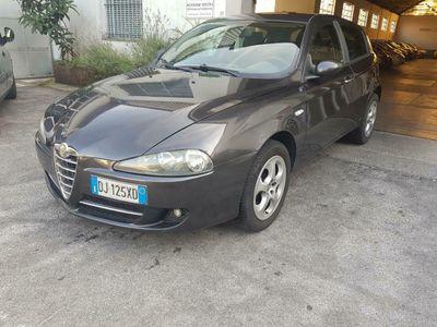 usata Alfa Romeo 147 DISTINCTIVE 120CV