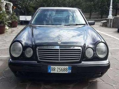 usata Mercedes E290 avangarde