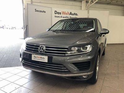 used VW Touareg 3.0 TDI 262 CV tip. BlueMotion Technology Executive del 2017 usata a Sestu