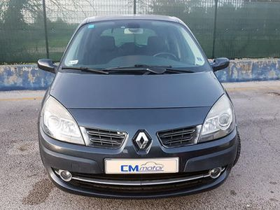 usata Renault Scénic 1.6 110cv Automatica