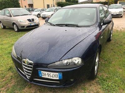 usado Alfa Romeo 147 1.9 JTD (120) 5 porte Black Line