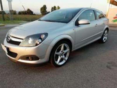 usata Opel Astra GTC 1.6 T 16V 3 porte Cosmo