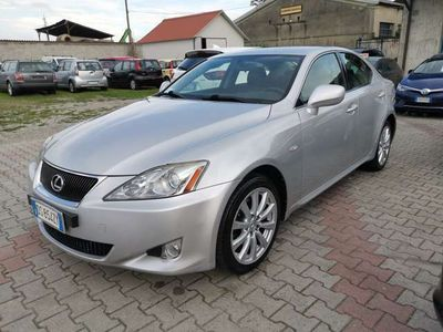 usata Lexus IS220d 2.2 16V Luxury * 128.000 KM *