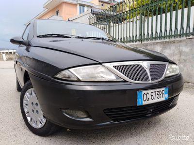 usata Lancia Ypsilon 1.2 benzina 8 v 44kw economica 2004