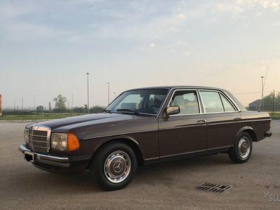 usado Mercedes 230 (w123)