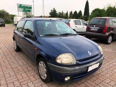 usata Renault Clio III PORTE 1.2 BENZINA SI A NEOPATENTATI CON IL CLIM