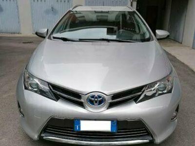 usata Toyota Auris Hybrid