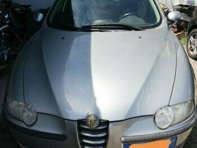 usata Alfa Romeo 147 1.6i 16V Twin Spark cat 5p. Distinctive