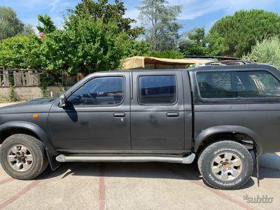 usata Nissan Navara pk 2.5 double cab hard top