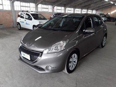 usado Peugeot 208 1.4 8V HDi 68CV 5p. Active rif. 10842385