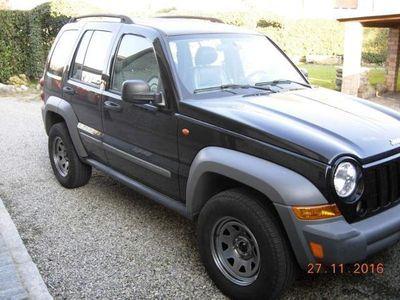 usata Jeep Cherokee KJ 2800 cc turbodiesel sport cambio manuale