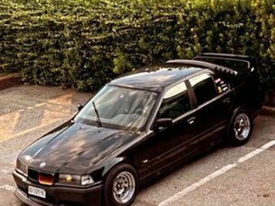usata BMW 320 i E36