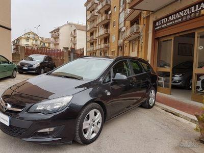 usado Opel Astra ST - 2014 1.7 cdti 110cv KM certificati