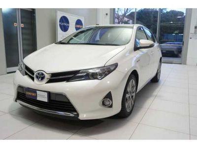 używany Toyota Auris Touring Sports 1.8 Hybrid Lounge