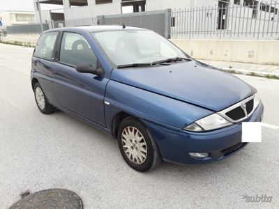 usata Lancia Ypsilon Elefantino 1.2 Benz 2003 - Km 33948