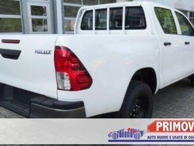 usata Toyota HiLux 2.4 D-4D 4WD 4 porte DC Comfort, volante multif.,