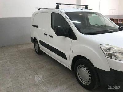 begagnad Peugeot Partner 2012 1.6 HDI 92cv MAXI 3 POSTI