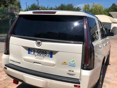 usata Cadillac Escalade Escalade 6.2L V8 AT AWD Premium