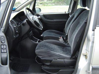 usata Opel Zafira 2.2 16V DTI Elegance
