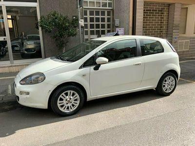 usata Fiat Punto easy 3 p easy power 1.4 GPL