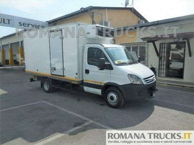 usata Iveco Daily PAT C ISOTERMICO + FRIGO CARRIER 500 IN ATP -20°