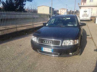 usata Audi A4 2.5 TDI AUTOMATICO 4x4 gancio traino export