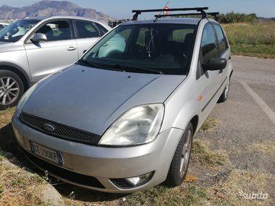 usata Ford Fiesta 1.4 benz V Serie 2003