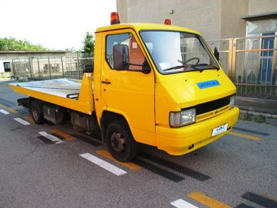 usata Nissan Trade 3.0TD Carroattrezzi PatenteB Portata 1600kg Comear