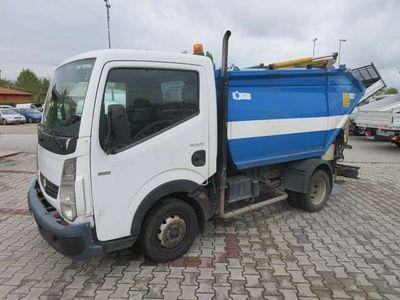 usata Nissan Cabstar renautl maxity 2.5 td raccolta rifiuti