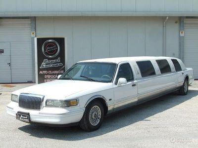 usata Lincoln Town Car limousine-9 posti-lunga 11 metri-