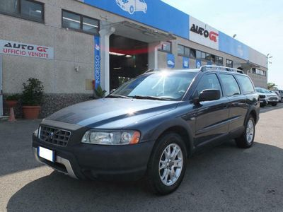 used Volvo XC70 2.4 D5 20V cat AWD Summum Cross Country Pelle