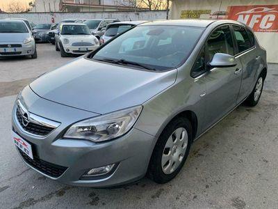 usata Opel Astra 2011 1.7 cdi 110 cv cosmo