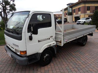 usado Nissan Cabstar Cabstar-E 110.35 3.0 Tdi PL-RG Cab. L