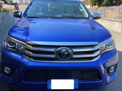 usata Toyota HiLux 2.4 D-4D A/T 4WD 4 porte Double Ca
