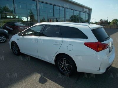 usata Toyota Auris Station Wagon Touring Sports 1.8 Hybrid Active del 2015 usata a Piacenza