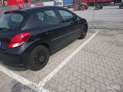 used Peugeot 207 1.4 benzina-Gpl. Per neo patentati
