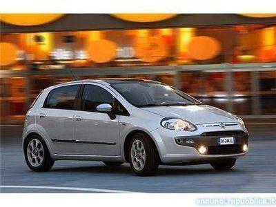 gebraucht Fiat Punto 1.3 Mjt 95 Cv DYNAMIC DPF 5P. S & S Dualogic Cava de' Tirreni