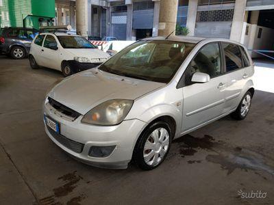 brugt Ford Fiesta 1.4 TDCI BASSI CONSUMI - PER NEOPATE