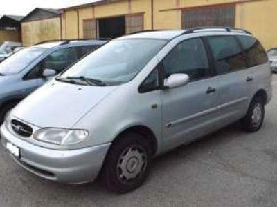usata Ford Galaxy 1.9 TDI (110CV) cat Ghia del 2000 usata a Buttapietra