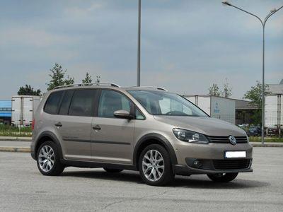 käytetty VW Touran Cross 1.4 TSI Highline EcoFuel Full!!!!