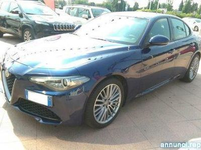 gebraucht Alfa Romeo Giulia 2.2 Turbodiesel 180 CV AT8 Super Magenta