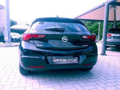 usata Opel Astra 1.0 Turbo c/automatico navigatore sensori ant post