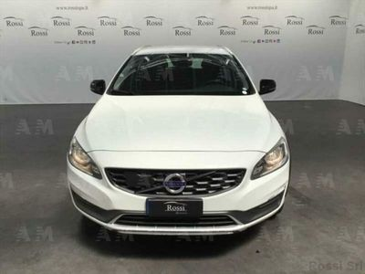 usata Volvo V60 c.country 2.0 D3 Momentum geartronic rif. 11968961