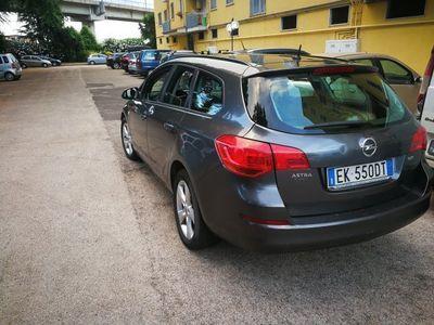 używany Opel Astra sport tourer