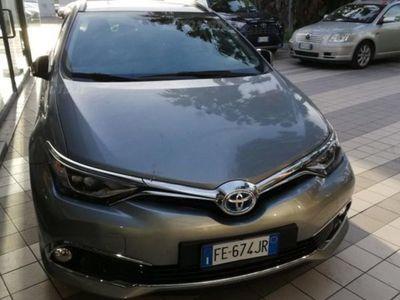 usata Toyota Auris Hybrid 5 porte Lounge del 2016 usata a Catania