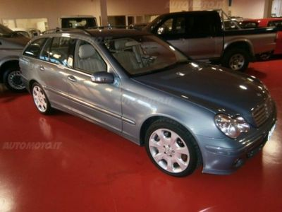 second-hand Mercedes 320 Classe C Station WagonCDI cat Elegance usato
